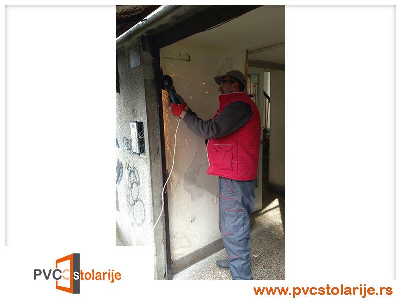 Zamena ulaznih vrata zgrad - PVC stolarije tim
