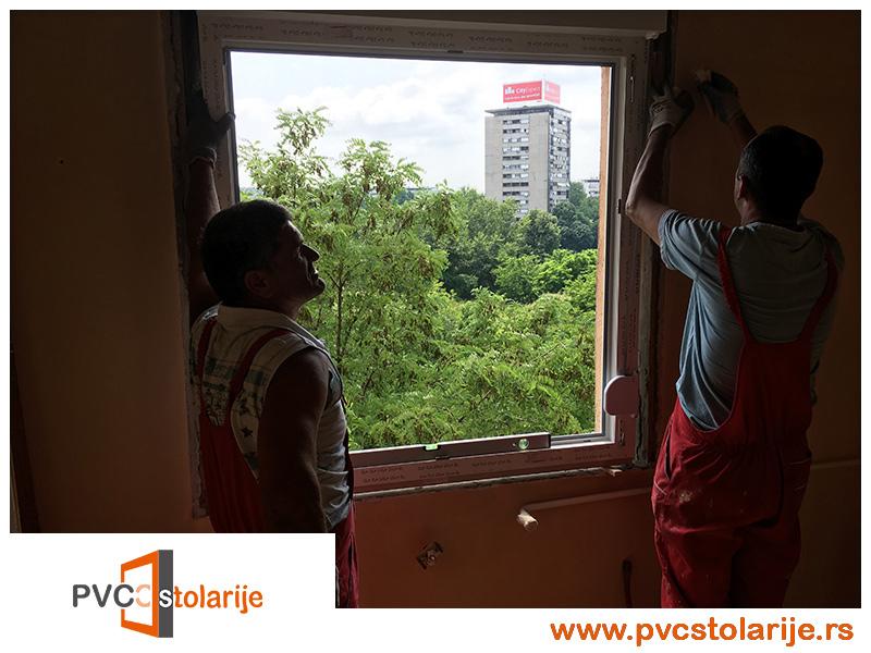 Postavljanje prozora i dovodjenje u libelu - Zamena prozora u stanu