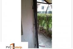 zamena-ulaznih-vrata-zgrade-banovo-brdo-pvc-stolarije-tim-2